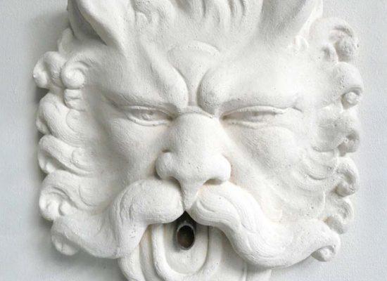 Tête de lion fontaine