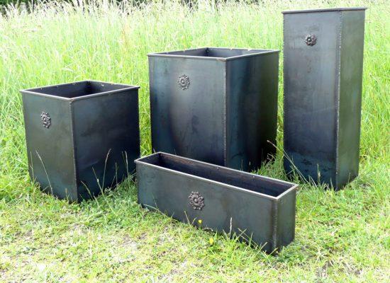 Pots de jardin acier