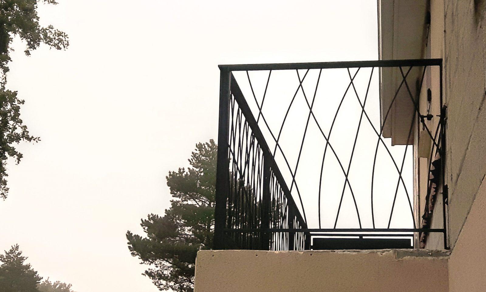 bleuacier menuiserie garde corps escaliers rampes. Black Bedroom Furniture Sets. Home Design Ideas