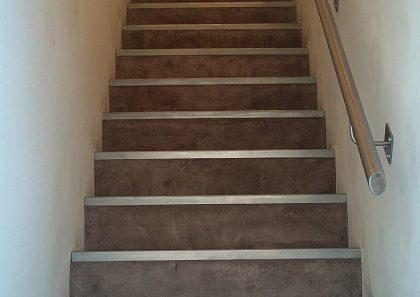 Escalier en béton ciré et rampe Inox